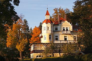 Villa from around 1900, Weipertshausen on Lake Starnberger See, Muensing, Fuenfseenland area, Upper Bavaria, Bavaria, Germany, Europe