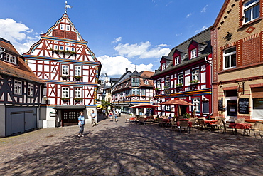 Historic town centre of Idstein, Koenig-Adolf-Platz square, German Half-Timbered House Road, Rheingau-Taunus district, Hesse, Germany, Europe