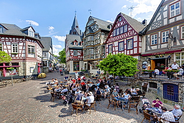 Historic town centre of Idstein, Koenig-Adolf-Platz square with the Killingerhaus building, German Half-Timbered House Road, Rheingau-Taunus district, Hesse, Germany, Europe