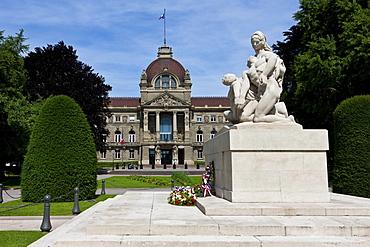 War Memorial in front of Palais du Rhin, Rhine Palace on Place de la Republique, Strasbourg, Alsace, France, Europe