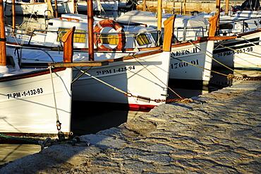 Sailing boats in the harbour, marina of Puerto de Pollensa, Port de Pollenca, Majorca, Balearic Islands, Mediterranean Sea, Spain, Europe