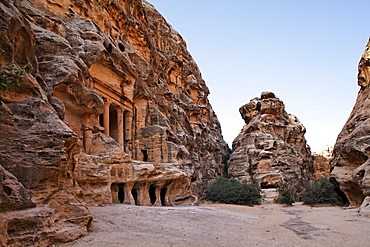 Engraved sandstone at the portal of a tomb, Little Petra, the capital city of the Nabataeans, rock city, UNESCO World Hertage Site, Wadi Musa, Hashemite Kingdom of Jordan, Orient, Middle East, Asia