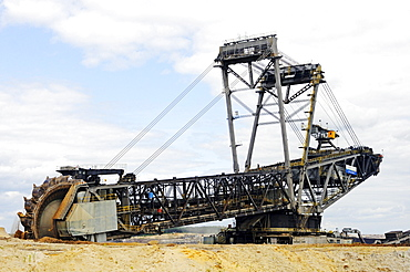 Bucket-wheel excavator in the open pit Welzow-Sued, mining of brown coal by the Vattenfall energy company, Lower Lusatia, Lusatia, Brandenburg, Germany, Europe