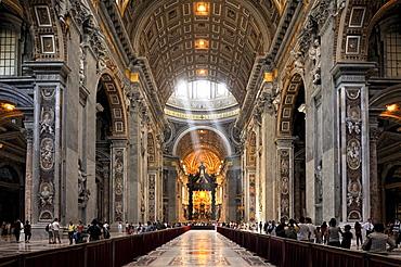 St. Peter's baldachin, Bernini's baldachin, center nave of St. Peter's Basilica, Vatican City, Rome, Lazio region, Italy, Europe
