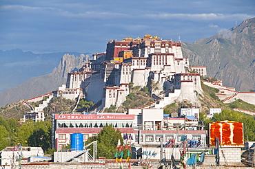 Potala Palace, UNESCO World Heritage Site, Lhasa, Tibet, Asia