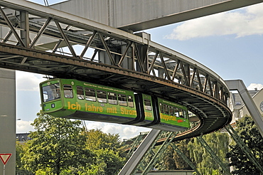 Monorail, Wuppertal, Bergisches Land, North Rhine-Westphalia, Germany, Europe