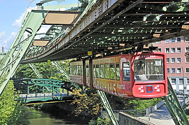 Monorail above the Wupper River, Wuppertal, Bergisches Land, North Rhine-Westphalia, Germany, Europe