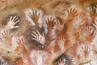 Cave paintings in Cueva de las Manos, Cave of the Hands, UNESCO World Heritage Site, Perito Moreno, Santa Cruz, Patagonia, Argentina, South America