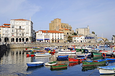 Small boats in a harbour, Santa Maria Church, Santa Ana Fortress, Castro Urdiales, Gulf of Biscay, Cantabria, Spain, Europe