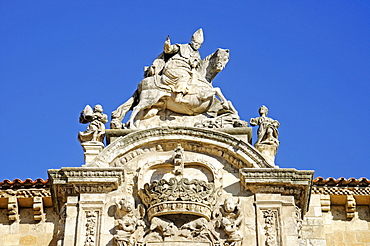 Coat of arms on the facade of Colegiata Real de San Isidoro, collegiate church, basilica, museum, Leon, Castilla y Leon province, Spain, Europe