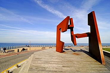 Construccion Vacia, sculpture by artist Jorge Oteiza, Paseo Nuevo, sea promenade, Mt Monte Urgull, San Sebastian, Pais Vasco, Basque Country, Spain, Europe