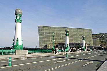 Bridge piers, Ponte Zurriola, Zurriola Bridge, Kursaal, congress centre, San Sebastian, Pais Vasco, Basque Country, Spain, Europe