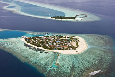 Island and the Resort Vilu Reef in the south Nilandhe atoll, the Maldives.