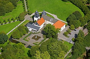 Aerial view, Schloss Martfeld castle, Schlosspark park, Bergisches Land region, Schwelm, North Rhine-Westphalia, Germany, Europe
