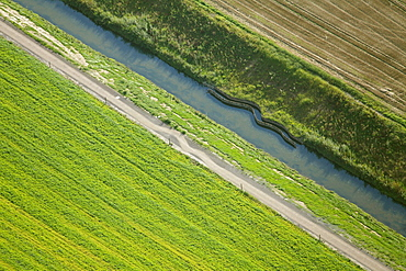Aerial view, Seseke, tributary of the lip, SesekeKunst, Line of Beauty - the fifth treatment plant, Susanne Lorenz, cycle lane, Klaerwerk 4 four sewage treatment plant Kamen, Luenen, Ruhrgebiet region, North Rhine-Westphalia, Germany, Europe