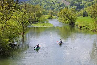 Upper Danube Valley, canoeing, Upper Danube Nature Park, Neidlingen, Baden-Wuerttemberg, Germany, Europe