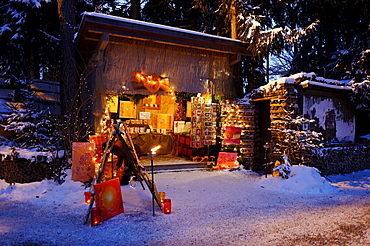 Christmas market at the Waldbuehne, forest stage, Halsbach, Upper Bavaria, Germany, Europe