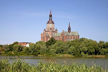 St. Marienkirche church, Frankenteich lake, Stralsund, Mecklenburg-Western Pomerania, Germany, Europe