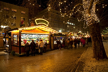 Christmas market, Kleppingstrasse, Dortmund, Ruhr area, North Rhine-Westphalia, Germany, Europe