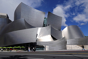 Partial view, Walt Disney Concert Hall, designed by Frank Gehry, Los Angeles, California, USA