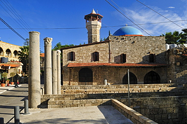 Old mosque and ancient coloumns at Byblos, Unesco World Heritage Site, Jbail, Lebanon, Middle East, West Asia