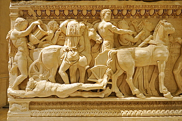 Ancient stone sarcophagus from Tyros depicting the story of Achilleus, Achillus, Tyre, Sour, National Museum, Beirut, Beyrouth, Lebanon, Middle East, West Asia
