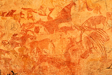 Neolithic rock art, painting of animals and people, Tasset Plateau, Tassili n'Ajjer National Park, Unesco World Heritage Site, Wilaya Illizi, Algeria, Sahara, North Africa