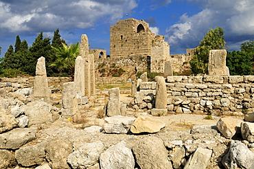 Antique Obelisk Temple with crusader castle, archeological site of Byblos, Unesco World Heritage Site, Jbail, Jbeil, Lebanon, Middle east, West Asia