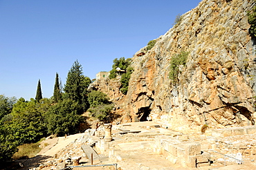 Temple of Pan with Pan's grotto, above in the center shrine of Nebi Khader, religious figure for Druze and Muslims, Banias National Park, Mount Hermon, Golan Heights, Israel, Middle East, Southwest Asia