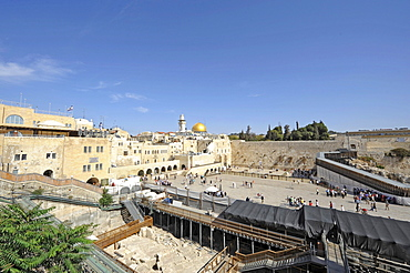Temple Mount with Dome of the Rock, Wailing Wall, and in the back a wooden ramp to the Temple Mount for non-Muslims, Jerusalem, Israel, Middle East, Southwest Asia