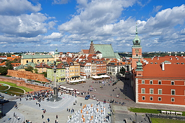 Castle square, Plac Zamkowy, with the Royal Palace, Sigismund's Column, Sv. Jana cathedral and St. Martin's Church, Warsaw, Mazowieckie, Mazury, Poland, Europe