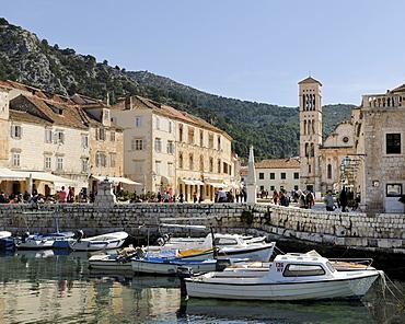 Harbour in front of Trg Sv Stjepana, St. Stephenís Square, Hvar, Hvar Island, Croatia, Europe