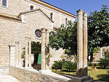 Cloister of the parish church, Vrboska, Hvar Island, Croatia, Europe