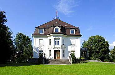 Schloss Weidenkam castle at Muensing, Lake Starnberger See, Fuenfseenland, Upper Bavaria, Bavaria, Germany, Europe