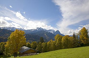 Wetterstein mountain range in autumn, Zugspitze mountain and Alpspitze mountain, Garmisch-Partenkirchen, Upper Bavaria, Bavaria, Germany, Europe