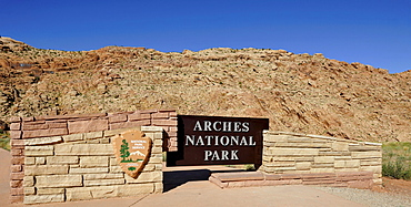 Arches National Park welcome sign, Moab, Utah, Southwestern United States, United States of America, USA
