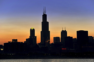 Evening mood, sunset, Willis Tower, formerly named Sears Tower and renamed in 2009, 311 South Wacker Drive skyscraper, skyline, Chicago, Illinois, United States of America, USA