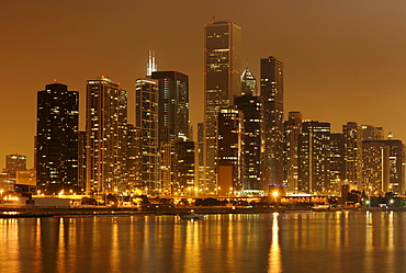Night shot, Aon Center, Two Prudential Plaza, John Hancock Center, Diamond Tower, skyline, Lake Michigan, Chicago, Illinois, United States of America, USA