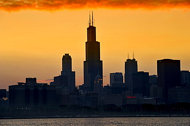 Evening atmosphere, sunset, Willis Tower, named Sears Tower until 2009, 311 South Wacker, skyscrapers, skyline, Lake Michigan, Chicago, Illinois, United States of America, USA