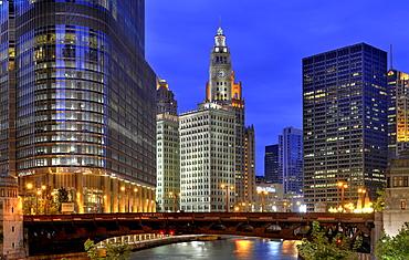Night shot, IRV Kupcinet Bridge, River Loop, skyline, Trump International Tower, Wrigley Building, Tribune Tower, Chicago University, NBC Tower, Chicago, Illinois, United States of America, USA, North America