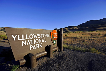 Welcome sign at the North Entrance, Yellowstone National Park, Montana, United States of America, USA
