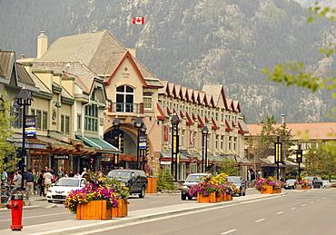 Cascade Plaza mall, Banff Avenue, Banff National Park, Canadian Rocky Mountains, Alberta, Canada