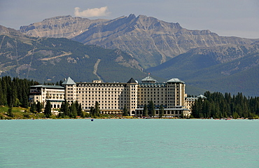 The Fairmont Chateau Lake Louise luxury hotel, Banff National Park, Canadian Rocky Mountains, Alberta, Canada