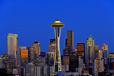 Night scene, skyline of the Financial District in Seattle, Space Needle, Columbia Center, formerly known as Bank of America Tower, Washington Mutual Tower, Two Union Square Tower, Municipal Tower, formerly Key Tower, U.S. Bank Center, Washington, United S