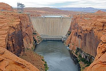 Glen Canyon Dam on Lake Powell, Arizona, USA