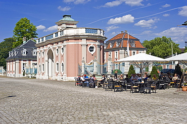 Bruchsal Palace, entrance gate to the courtyard, Bruchsal, Kraichgau, Baden-Wuerttemberg, Germany, Europe