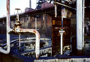 Rusty pipes, disused Thyssen blast furnace plant, 1990, today Duisburg-Nord Landscape Park, North Rhine-Westphalia, Germany, Europe