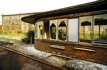Signalman's house with broken windows, disused Thyssen blast furnace plant, today Duisburg-Nord Landscape Park, North Rhine-Westphalia, Germany, Europe