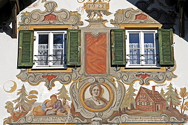 "Building facade with ""Lueftlmalerei"" mural paintings, windows and shutters, Haensel und Gretel Heim, Oberammergau, Bavaria, Germany, Europe"