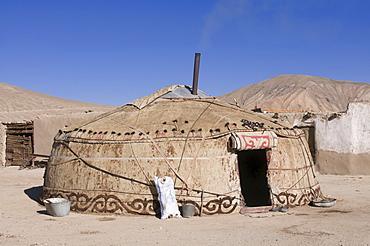 Lonely yurt in Bununkul, Pamir mountains, Tajikistan, Central Asia
